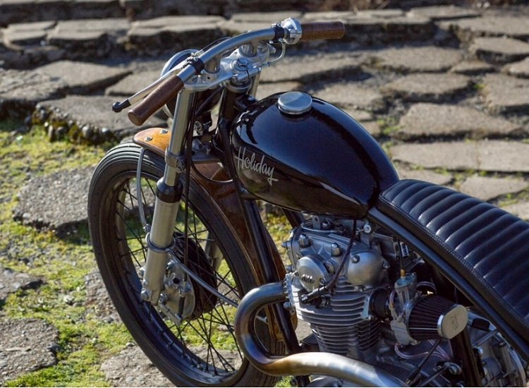 Yamaha XS650 by Holiday Customs