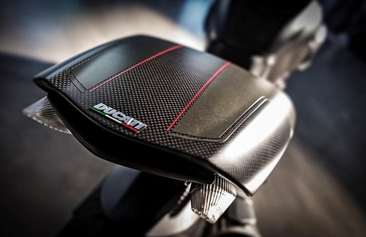 Ducati Diavel 2016