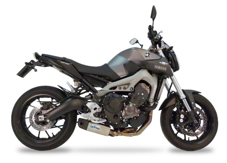 Yamaha MT-09 z wydechem LeoVince
