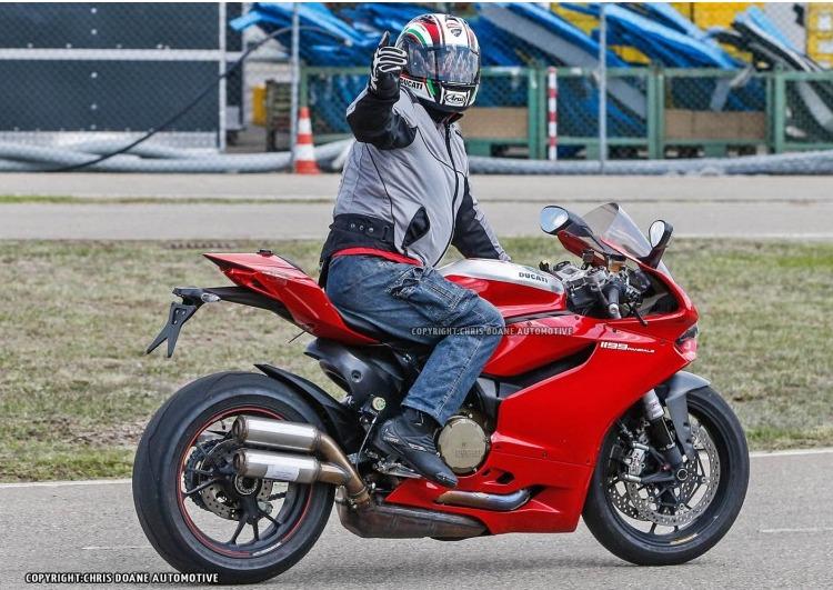 Ducati Panigale 1199 R 2015