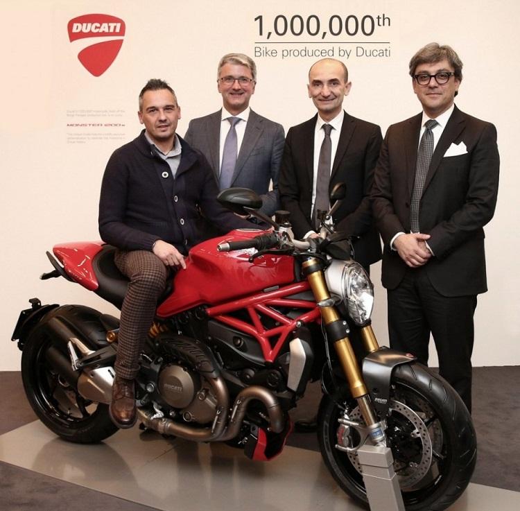 Motocykl Ducati Monster 1200S