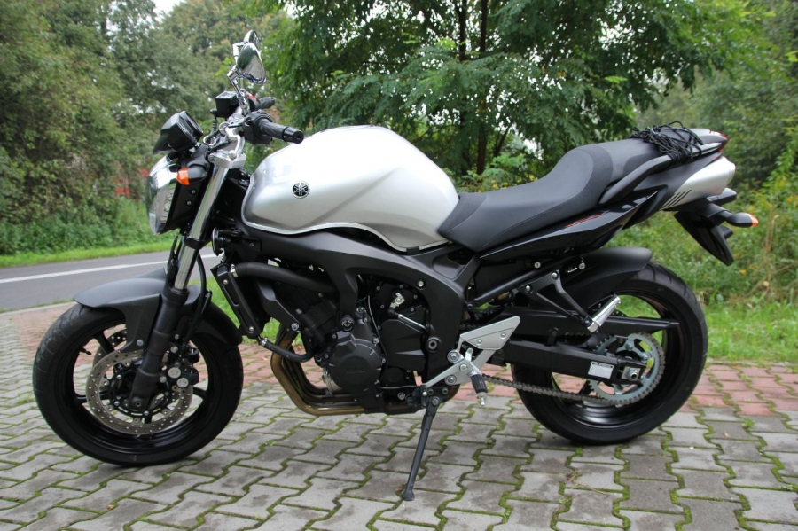 yamaha fz6 fazer 600 s2 2007 opinie motocyklist w. Black Bedroom Furniture Sets. Home Design Ideas