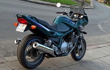 Yamaha XJ 900 Diversion naked bike - 7348103767